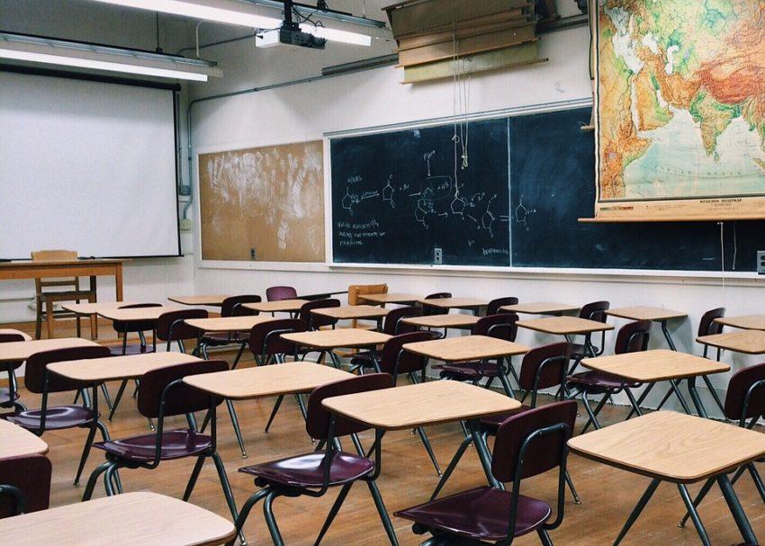 ....classroom-2093744_960_720